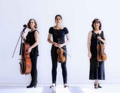 GEANNULEERD | Kaarslichtconcert: The Hague String Trio