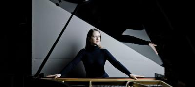 Candlelight Concert: Helena Basilova plays Morton Feldman